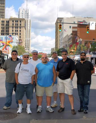 SPECIAL REPORT:The 2012 National Hamburger FestivalBurgerguyz invades Akron to judge the entries at the National Hamburger Festival!